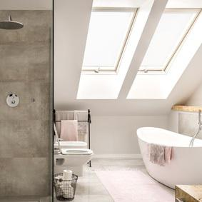 Badezimmer mit Dachschräge: 10 Tipps zum Einrichten - Emero Life