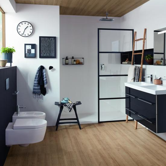 Holz im Badezimmer: Tipps & Einrichtungsideen - Emero Life