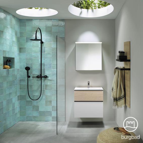 Burgbad Fiumo Badmöbel-Set Waschtisch mit Waschtischunterschrank und Spiegelschrank Front weiß matt/eiche cashmere dekor / Korpus weiß matt, Griffleiste schwarz matt