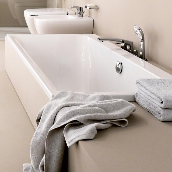 kunststoff badewanne polieren moderne badewannen mit led. Black Bedroom Furniture Sets. Home Design Ideas