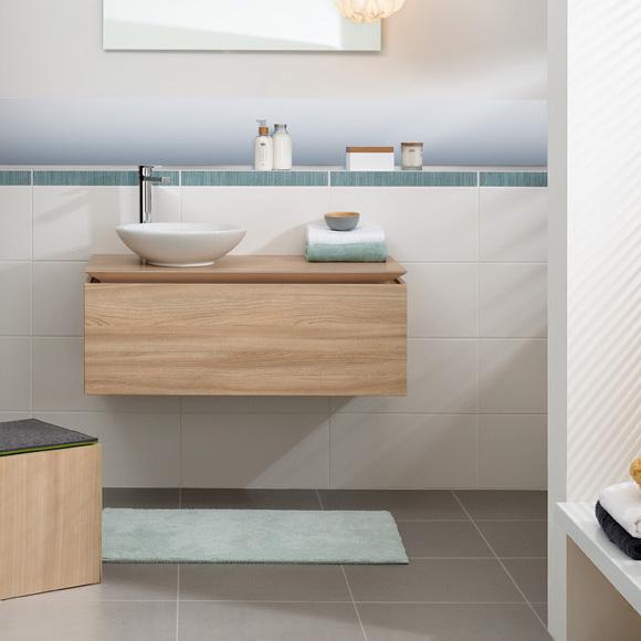Badezimmer grauer boden weià e wand: wandfarbe küche auswählen ...